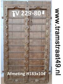 Oude loftdeur