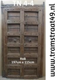 Oude deur donkerbruin
