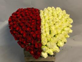 Dicht rouwhart met 2 kleuren opgesplitst totaal rond de 55 cm