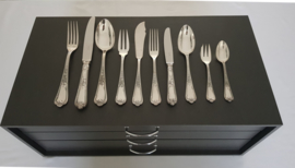 Ercuis - Silver Plated Cutlery Canteen - 12 pax./132-piece - Louis XV motive - France, 20th Century
