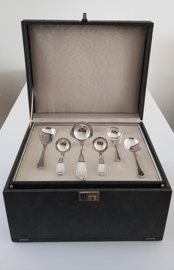 "Wellner, Duitsland - Verzilverde bestekcassette - 79-delig/12-persoons - c. 1955 - serie ""Lavinia"""