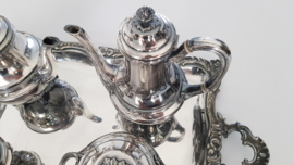 Orfevrerie Gallia (Christofle) - Verzilverd Louis XVI Thee & Koffieservies - Frankrijk, c. 1925