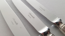 Christofle - A set of 3 Silver Plated Dinner Knives - Chinon collection