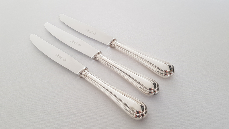 Christofle - A set of 3 Silver Plated Dinner Knives - Spatours collection