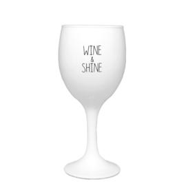 Sojakaars - Wine and shine