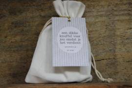 Wenskaars in zakje -  een dikke knuffel voor jou omdat je het verdient