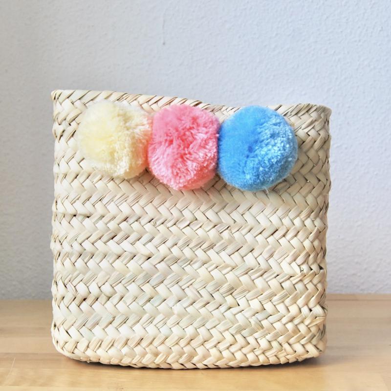 Pom pom square mini box Pastel color