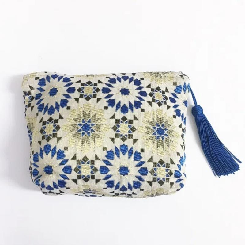 Arabesque pouch M Blue