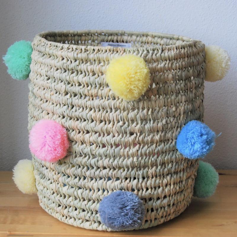 Cylindrical pom pom basket Pastel color