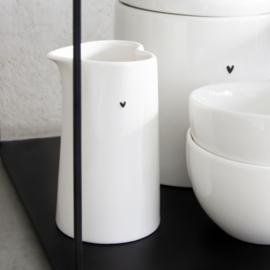 Bastion Collections - Melkkannetje S wit met zwart hartje