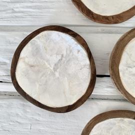 Schaaltje hout + schelp Capiz wit