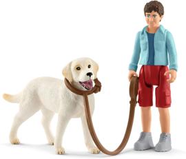 Wandelen met Labrador retriever - Schleich 42478