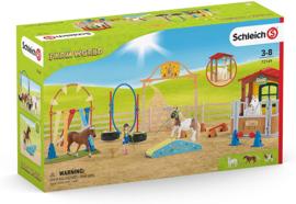 Training circuit met paardenbox - Schleich Exclusive 72149