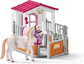 Paardenbox met Lusitano merrie - Schleich 42368