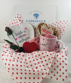 """Snoep giftbox met bambobordje """"liefde is samen ontbijten"""""""