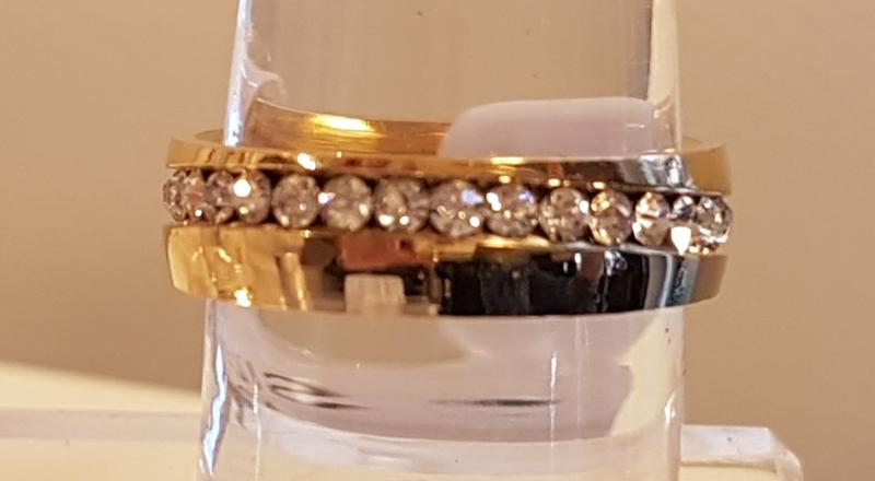 Stainless Steel ring goud met steentjes. Breed