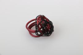 Ring rood zwart