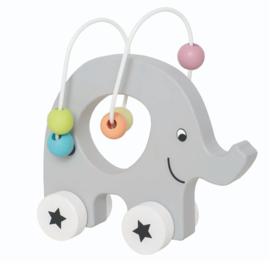 Roldier olifant met telraam