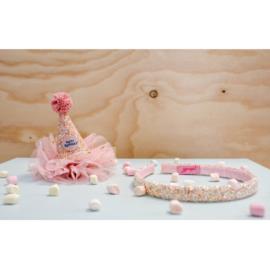 Verjaardagshoedje op klemmetje in cadeaudoos