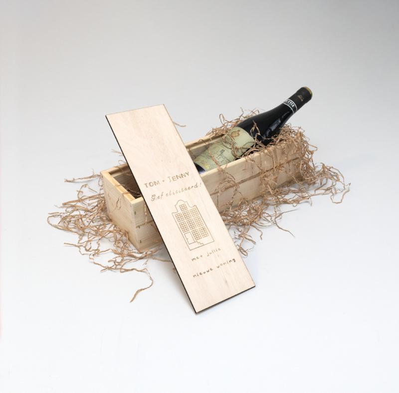 Wijnkistje Gefeliciteerd (nieuwe woning) gepersonaliseerd  met naam