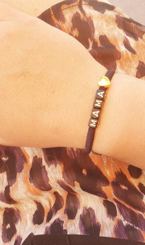 Ibiza armbandje met naam en bedel