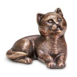 Bronzen kat liggend