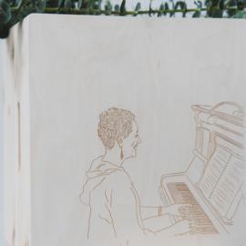 Herinneringskist met portrettekening  van ''t Illustratiehuisje'