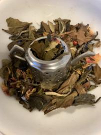 Witte thee met een toevoeging