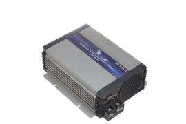 SWI 1100-12 12VDC naar 230AC 1100watt zuiver sinus omvormer