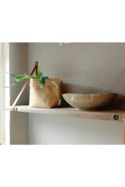 DX11 wandplank steenschot met leren riemen