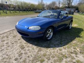 Mazda MX5 NB uit 1999 - 10TH Anniversary