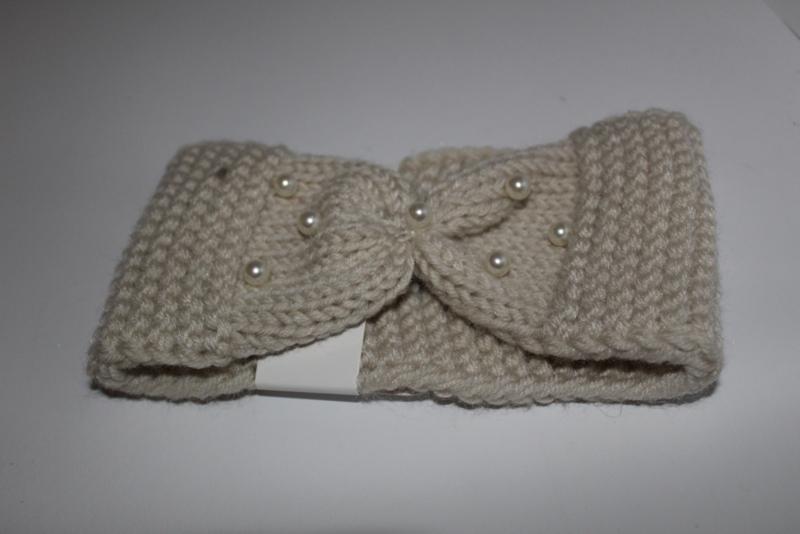 Knitted met parels