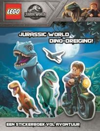 stickerboek Jurassic World - Dino dreiging (NL)