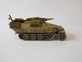 1:72 WW2 German Sdkfz 251/9 Ausf D Stummel