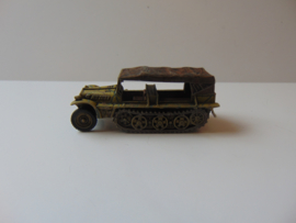 1:76 WW2 German Sdkfz 10 Demag