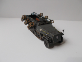 1:72 WW2 German Sdkfz 251/1 Stuka Zu Fuss Ausf D
