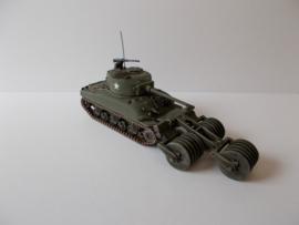 1:72 WW2 American M4A1 76 T1E1 Mineroller