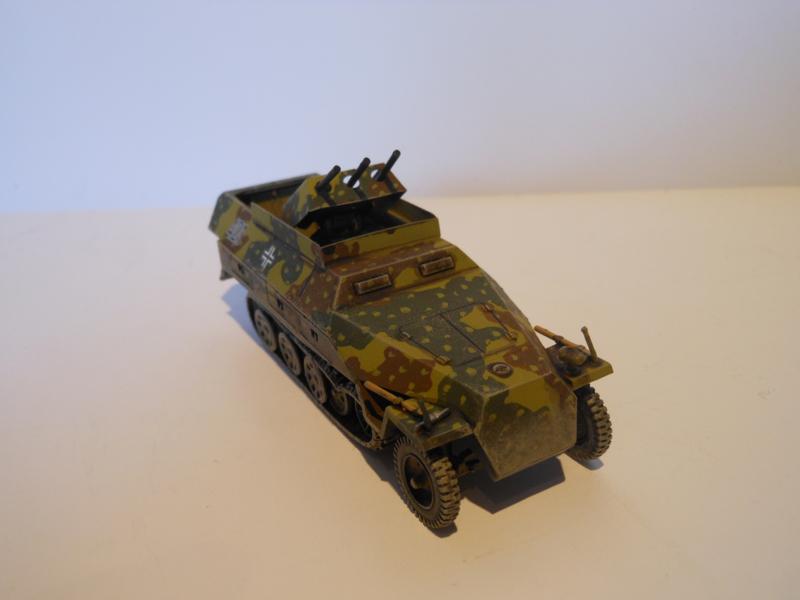 1:72 WW2 German Sdkfz 251/21 Ausf D Drilling