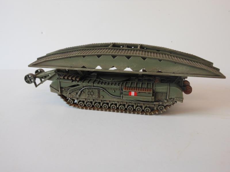1:72 WW2 British Churchill AVRE Bridgelayer