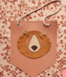 Atelier Ovive wandhanger beer oud roze