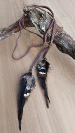 ketting zwarte veren