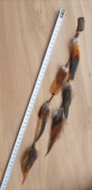 Haarstreng clip met    hanen veren