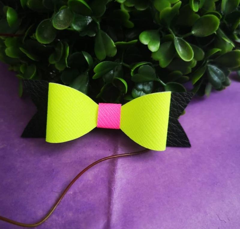 neon/black bow