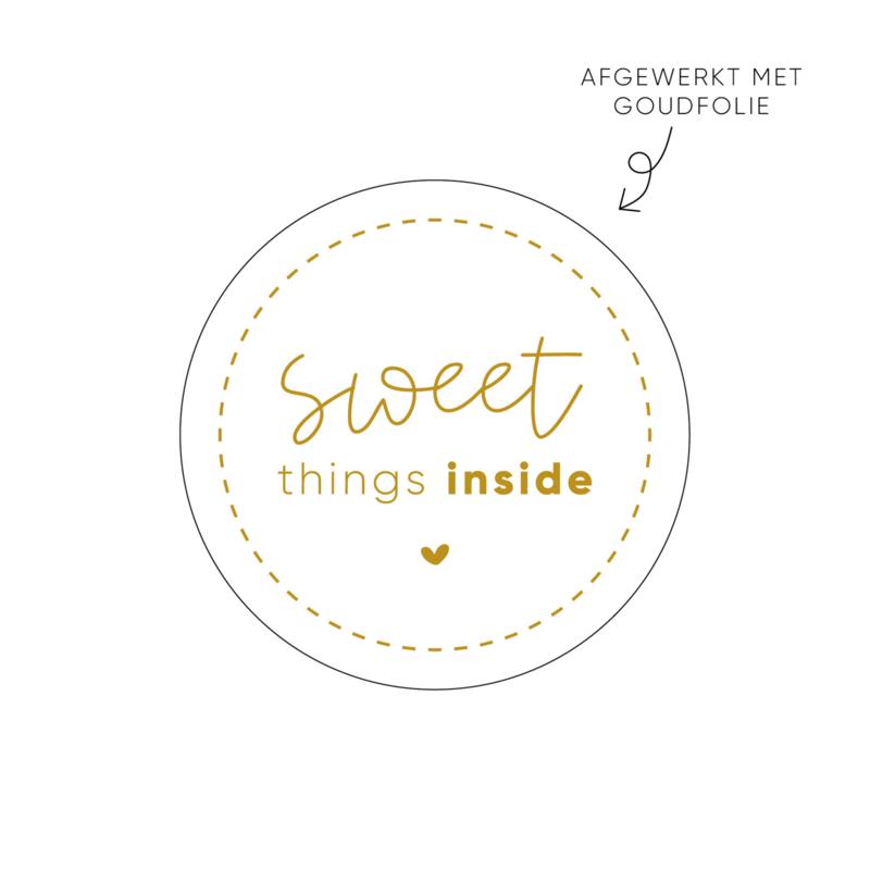 Sticker Sweet things inside (2)  • Rol 500 stuks • ø40mm