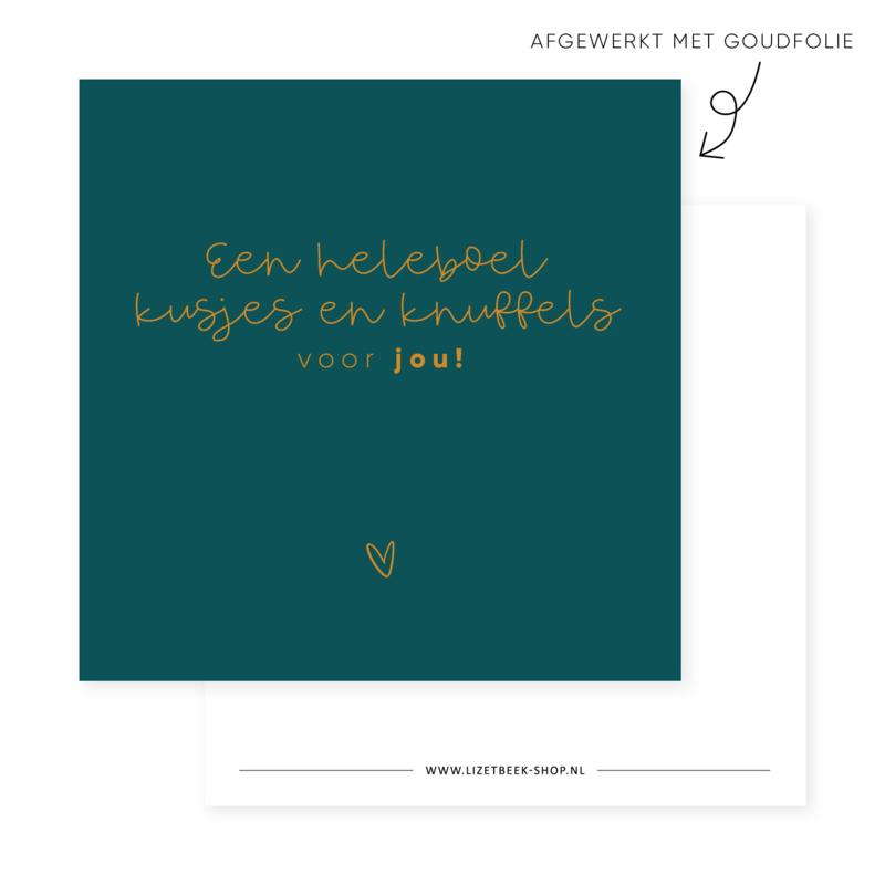 Minikaartje 85x85 • Een heleboel kusjes en knuffels voor jou! (goudfolie)