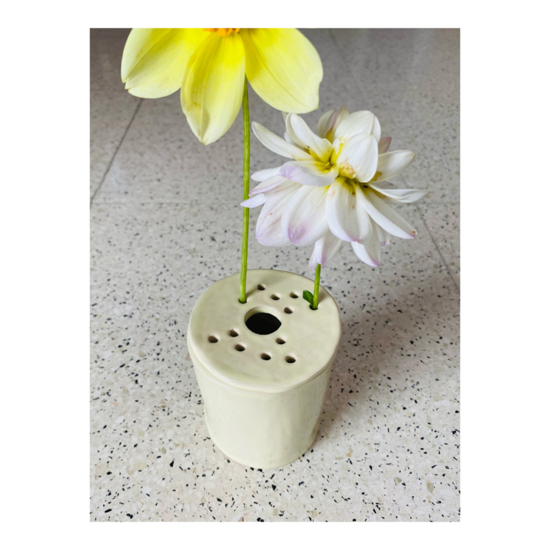 bloemenvaasje - lichtgeel