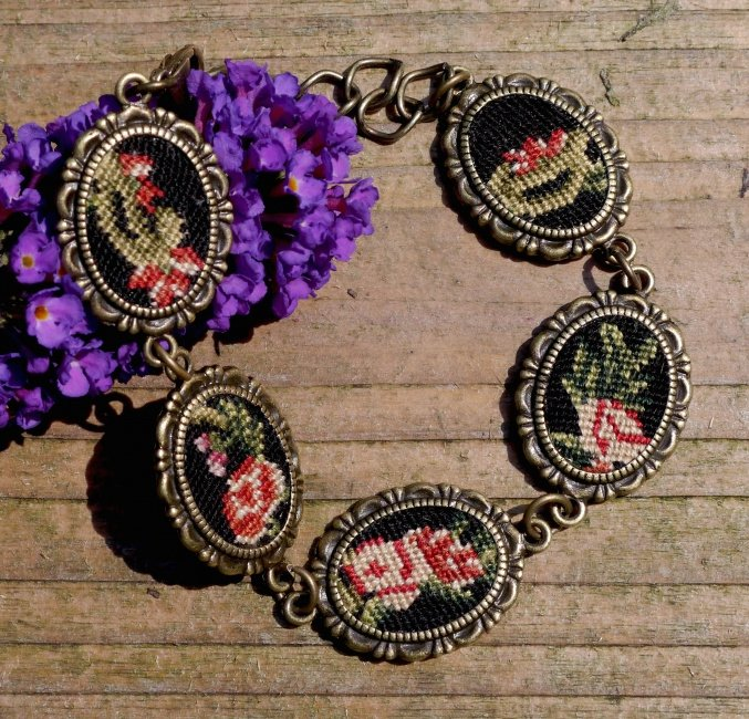 Armband met petit point bloemen - Tessa Randi