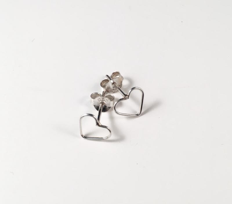 Oorbellen studs 'hartjes' zilver