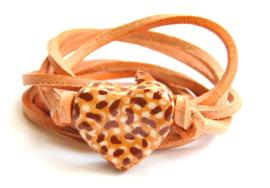 Armband naturel leren veter met tijger hart