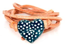 Armband naturel leren veter met stippen hart